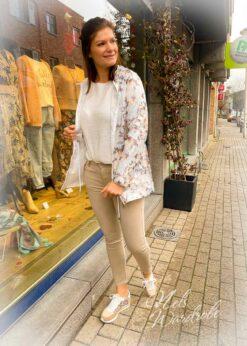 Beige jeans, basic model, slim fit