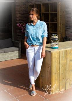 Skinny jeans - ripped detail aan de onderkant- high waist