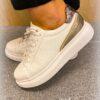 Witte sneaker - snake detail