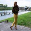 Gele ribfluwelen broek