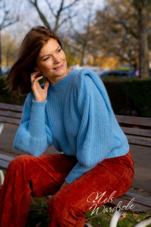 Lichtblauwe mohair trui
