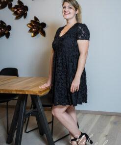 Zwarte jurk korte mouw